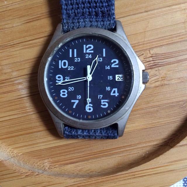 無印のアクリル収納の腕時計問題(;゚∀゚)