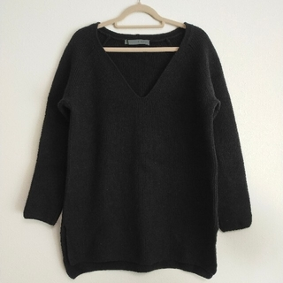 スピックアンドスパン(Spick and Span)のスピック&スパン ウール100% Vネックセーター ロングニット ブラック 黒(ニット/セーター)