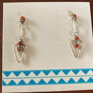 インディアン(Indian)のインディアンジュエリー ピアス ハート 赤サンゴ シルバー 新品(ピアス)