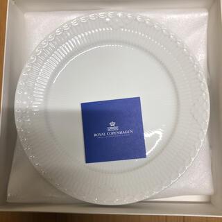ロイヤルコペンハーゲン(ROYAL COPENHAGEN)のロイヤルコペンハーゲン ホワイトハーフレースプレート 新品未使用品(食器)