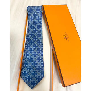 Hermes - HERMES エルメス 美品 鎖柄 ブルー シルク製 ネクタイ 箱付き