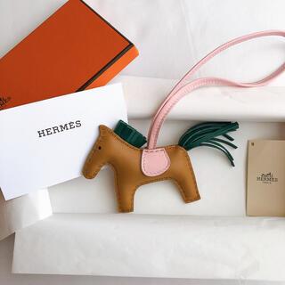 Hermes - HERMES エルメス ロデオ pm セサミ Y刻印 チャーム ローズサクラ