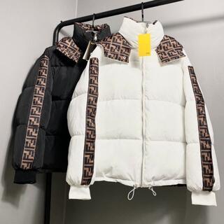 FENDI - 新品!FENDI  フェンディ  両面に綿の服を着る