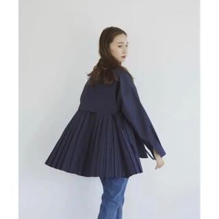 RANDEBOO Pleats cape shirts