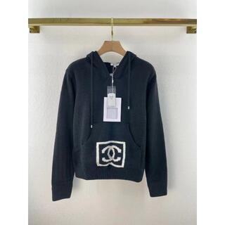 CHANEL - 【CHANEL】CC刺繍フード付きセーター