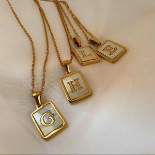 ゴールド イニシャル シェル ネックレス 韓国 ファッション ABC