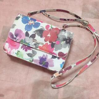 しまむら - CLOSSHI 花柄 財布 ショルダーバッグ