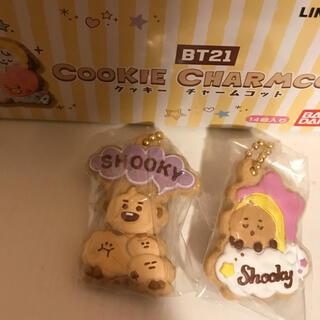 バンダイ(BANDAI)のクッキーチャームコット BT21 shooky2個セット(アイドルグッズ)