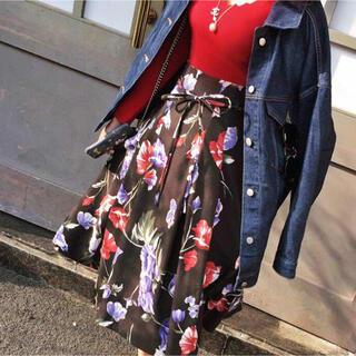 スナイデル(snidel)の花柄スカート(ひざ丈スカート)