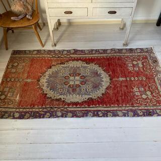 vintage rug, 099
