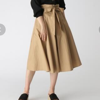 ミスティウーマン(mysty woman)のウエストリボン タック フレアスカート(ひざ丈スカート)