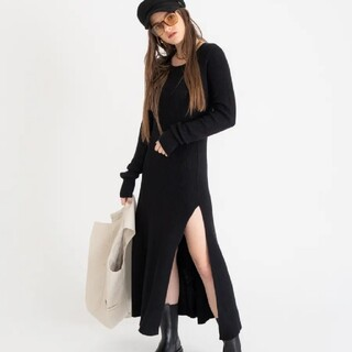 ALEXIA STAM - アクレント aclent Oval cut slit knit onepiece