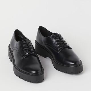 エイチアンドエム(H&M)のH&M チャンキーソールシューズ 42 厚底 黒ブラック toga(ドレス/ビジネス)