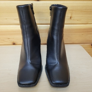 エイチアンドエム(H&M)のH&M スクエアトゥ ショートブーツ(ブーツ)