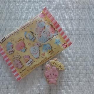 バンダイ(BANDAI)のBT21 クッキーチャームコット LINEFRIENDS(アイドルグッズ)