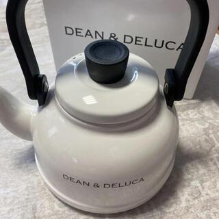 ディーンアンドデルーカ(DEAN & DELUCA)の【新品】DEAN&DELUCA ディーン&デルーカ ホーローケトル 1.6L(調理道具/製菓道具)