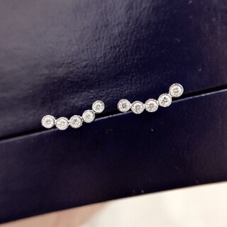 天然ダイヤモンドスマイルピアス0.2ct k18