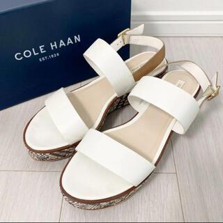 Cole Haan - 新品同様!コールハーン 25.0 ホワイト パイソン柄 サンダル