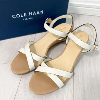 Cole Haan - 新品同様!コールハーン 25.5 ベージュ ホワイト サンダル