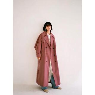 アメリヴィンテージ(Ameri VINTAGE)のCLANE back frill trench coat pink 1(トレンチコート)