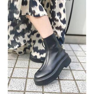 L'Appartement DEUXIEME CLASSE - The Row Zipped Boots