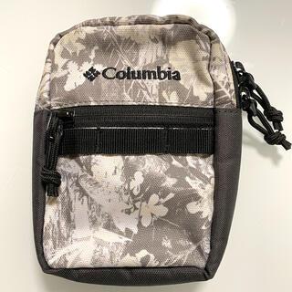 コロンビア(Columbia)のColumbia ✴︎ パデット ポーチ モノクロ 花柄(登山用品)