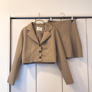 ディーホリック(dholic)の【DHOLIC】タッククロップドジャケット&ミニスカートSET(テーラードジャケット)