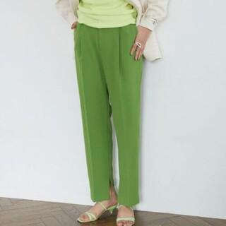 グリーンレーベルリラクシング(green label relaxing)のBRACTMENT(ブラクトメント) 裾スリット プレストタックパンツ(カジュアルパンツ)