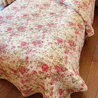 キルトマルチカバー 赤ベージュ花柄 ベッドスプレッド   ソファカバー(シーツ/カバー)