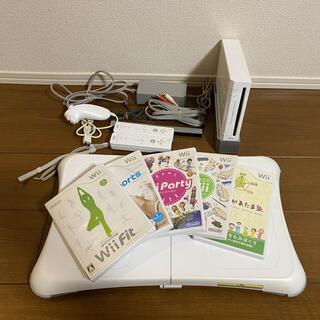 ウィー(Wii)のWii本体 &Wii Fit &ソフト5本セット(家庭用ゲーム機本体)