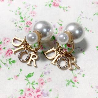 Christian Dior - 新品 Dior パール ストーン ロゴ ピアス