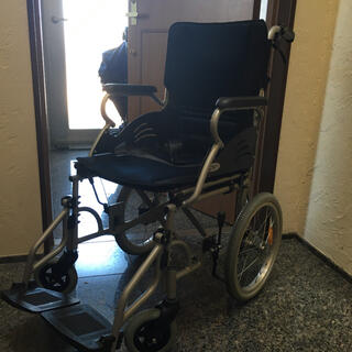 【引き取り限定】ケアテックジャパン 介助式 車椅子(その他)
