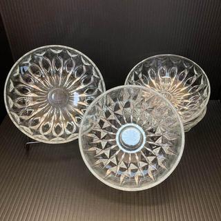 昭和レトロ アンティーク雑貨 彫刻ガラス 深皿1枚 浅いお皿3枚
