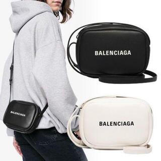 Balenciaga - バレンシアガ カメラバッグxs