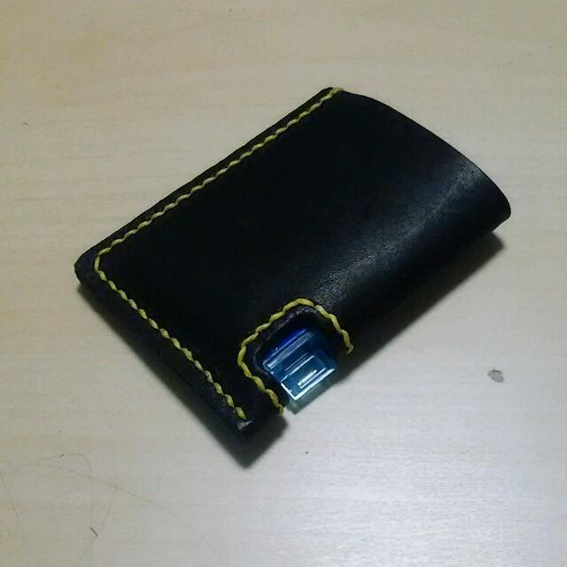 ミンティア ケース 黒  硬式グローブ革使用 ハンドメイ ハンドメイドのファッション小物(その他)の商品写真