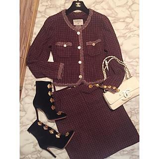 74d85b35c72ddd 本物 シャネル ツイード ダブルボタン ノッチド スカートスーツ 38 茶系. ¥47,200. シャネル(CHANEL)のシャネルココボタン×ツイドー スカートスーツセット(スーツ