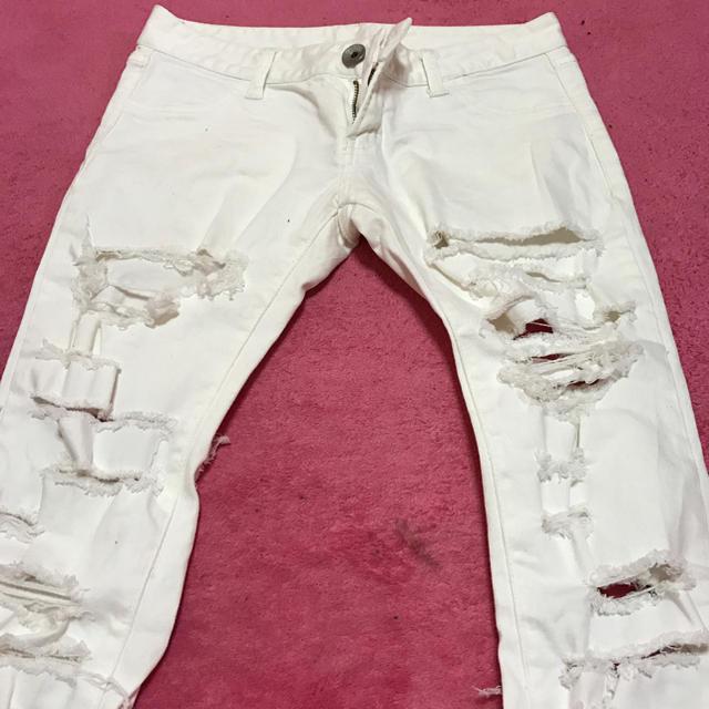 GYDA(ジェイダ)のGYDA  ダメージホワイトパンツ  sizeS レディースのパンツ(デニム/ジーンズ)の商品写真