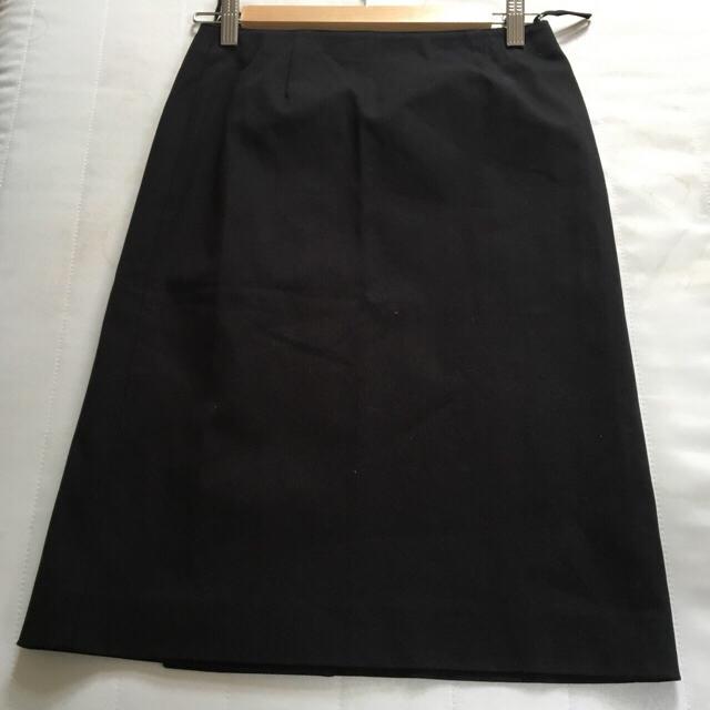 miumiu(ミュウミュウ)のmiumiu黒スカート レディースのスカート(ひざ丈スカート)の商品写真