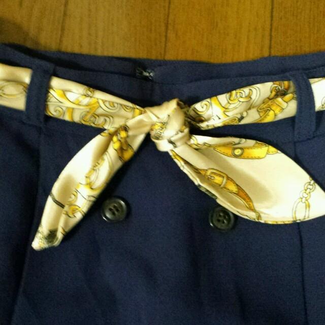 pour la frime(プーラフリーム)のスカーフ柄ベルト付きスカート レディースのスカート(ひざ丈スカート)の商品写真