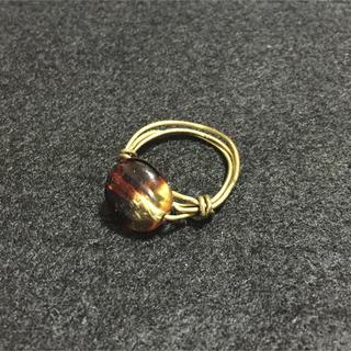 ☆ ハンドメイド アンティークゴールド色ワイヤーリング ☆ 丸ブラウン(リング(指輪))