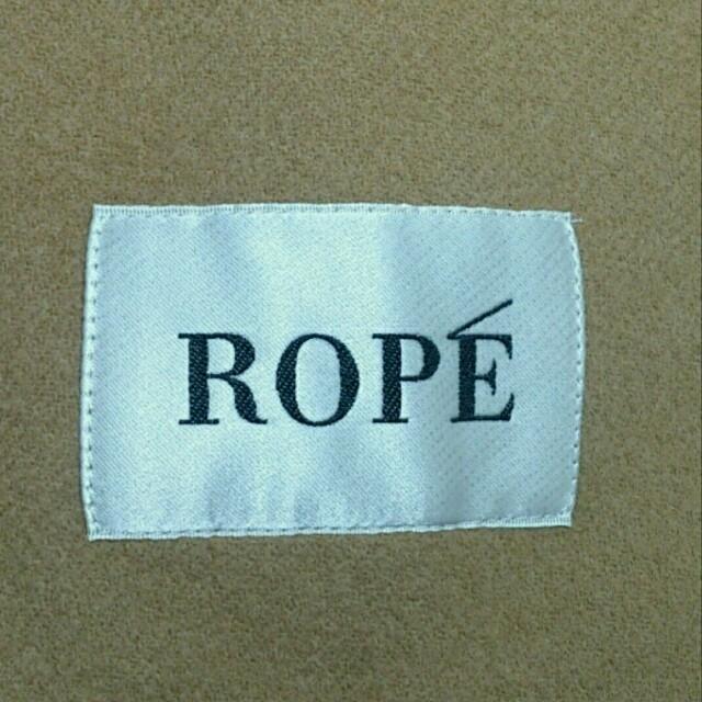 ROPE(ロペ)のROPE 濃いベージュコート  サイズ36 レディースのジャケット/アウター(ロングコート)の商品写真