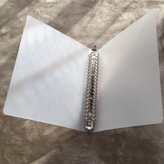 MUJI (無印良品)(ムジルシリョウヒン)の無印良品)A5 20穴 ルーズリーフバインダー インテリア/住まい/日用品の文房具(ファイル/バインダー)の商品写真