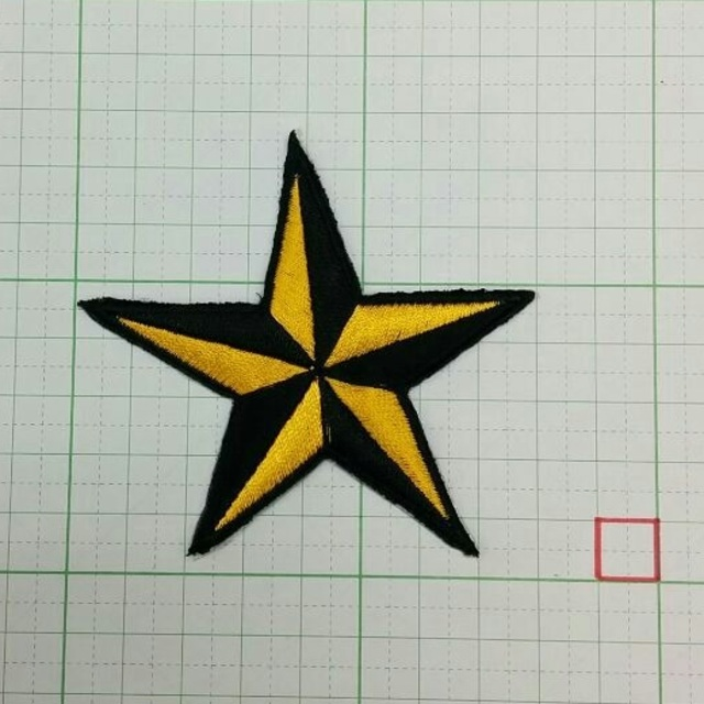 ★ スター 星 ワッペン STAR 黄黒 ★ アイロン接着OK ハンドメイドのファッション小物(その他)の商品写真