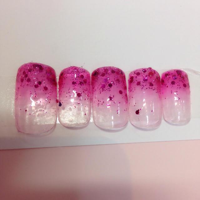 ネイルチップ ジェルネイル グラデーション ピンク ハンドメイドのアクセサリー(ネイルチップ)の商品写真