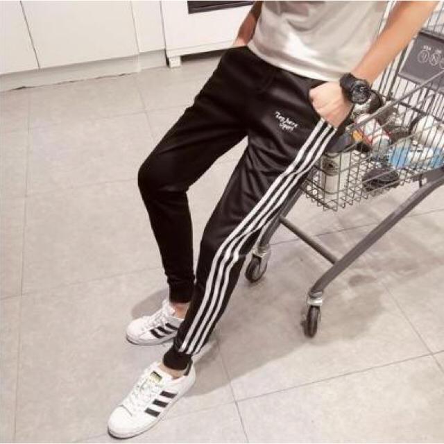 スウェット スキニー スリム 芸能人も 愛用 男女兼用 黒 メンズのトップス(スウェット)の商品写真