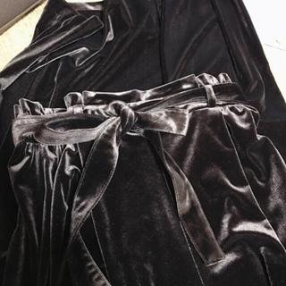 ジーユー(GU)のGU 石原さとみ着用♡茶色 ベロアパンツ(カジュアルパンツ)