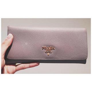 プラダ(PRADA)のprada ライトパープル長財布 (財布)