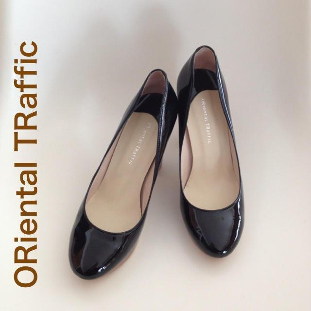 ORiental TRaffic(オリエンタルトラフィック)のパテントレザーのパンプス レディースの靴/シューズ(ハイヒール/パンプス)の商品写真
