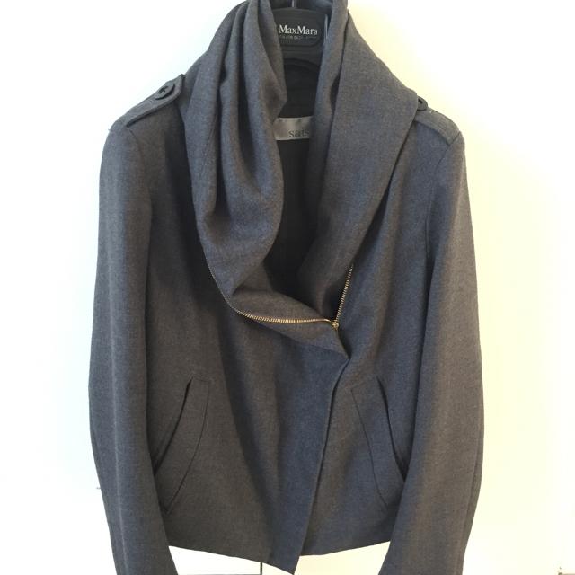 グレー ウール100パーセントのブルゾン レディースのジャケット/アウター(テーラードジャケット)の商品写真