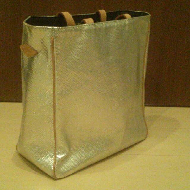 MZ WALLACE(エムジーウォレス)のMZ WALLACE&ファー帽子  レディースのバッグ(トートバッグ)の商品写真